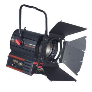 STUDIO FRESNEL LED 300W LENTE 175MM DIAM Pole Operation