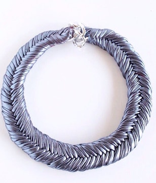 Collar blue metallic