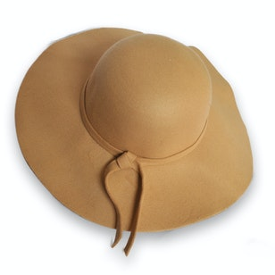 Ely, sombrero color camel